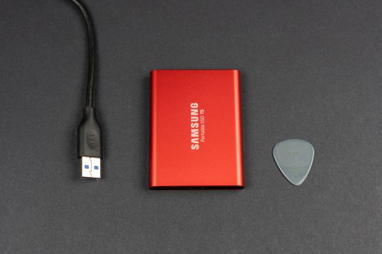 Porovnání velikosti Samsungu Portable SSD T5